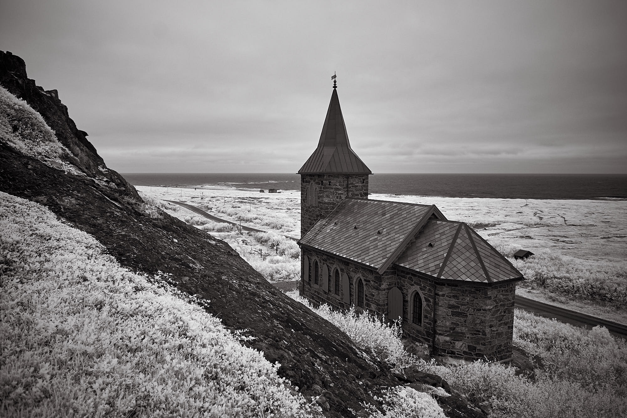 The chapel with the barents sea in the background / Fujifilm X-T1  ISO 200  1/30s  f/4  14mm  Infrared
