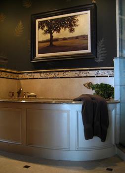 Master-Bath-w-Curved-Tub-Smallest-600x600.jpg