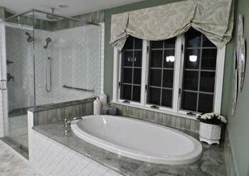 Green-and-White-Bath-Tub-Small.jpg