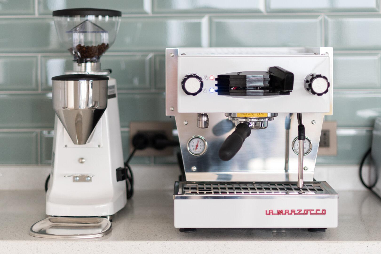Eventos - Podemos estar presentes en tu próximo evento privado o público, con nuestras preparaciones de café Espresso y preparaciones de vertido manual, preparados por nuestros baristas y con los mismos estándares de nuestras tiendas.