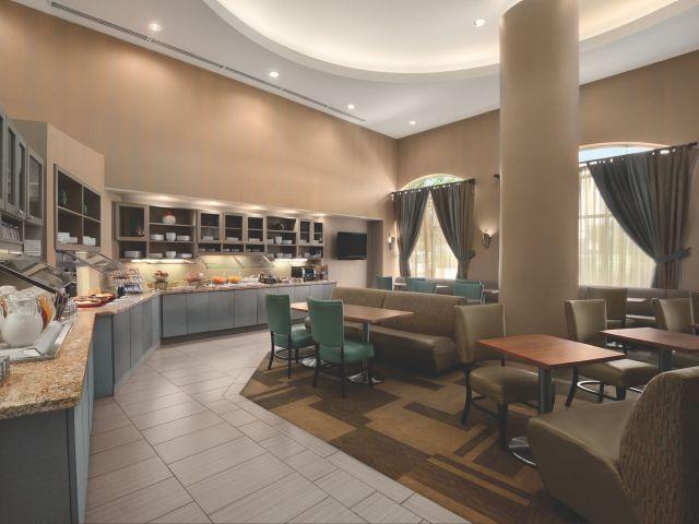 CLLZC-P007-Guest-Kitchen.adapt.4x3.640.480.jpg