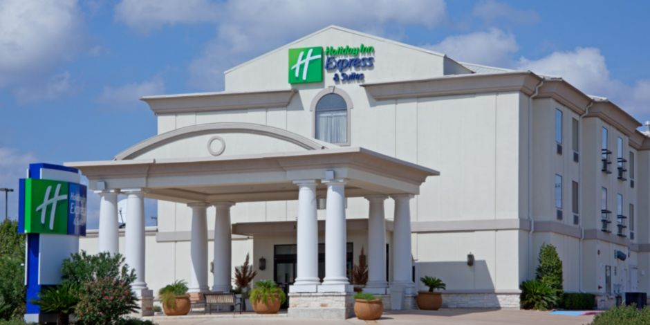 holiday-inn-express-and-suites-college-station-4242031421-2x1.jpeg