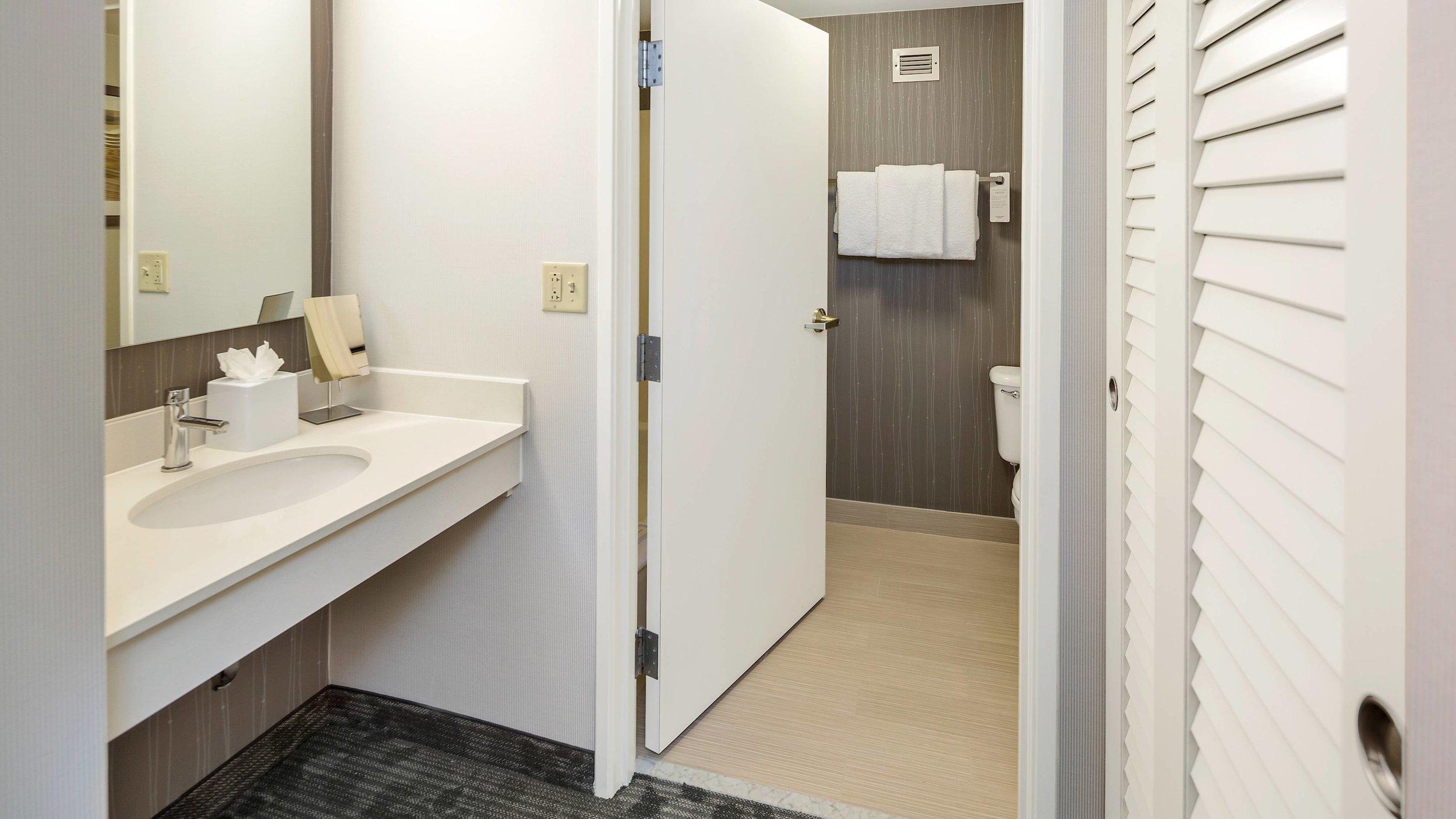 cllcy-bathroom-0039-hor-wide.jpg