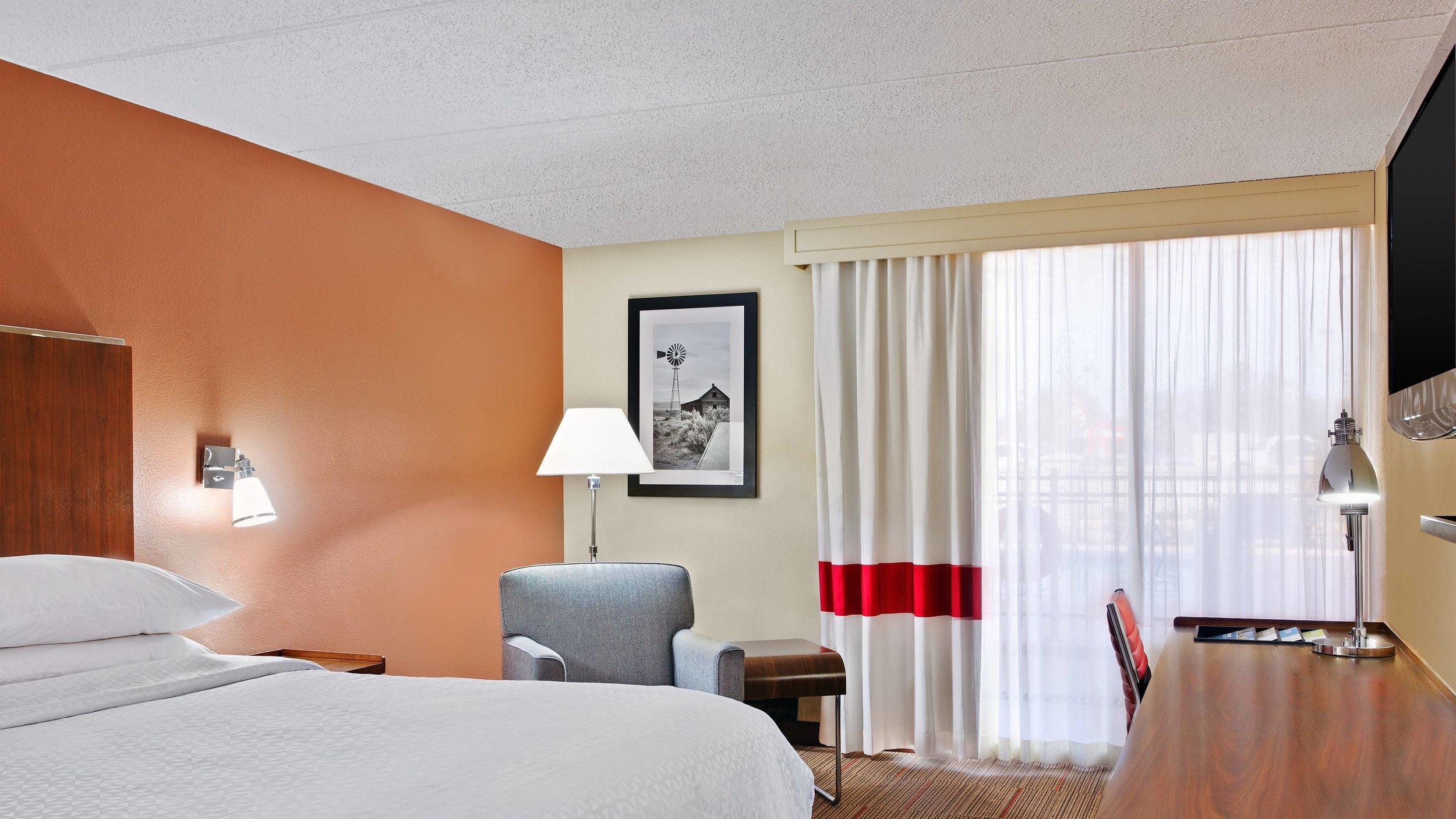 cllfp-guestroom-9667-hor-wide.jpg
