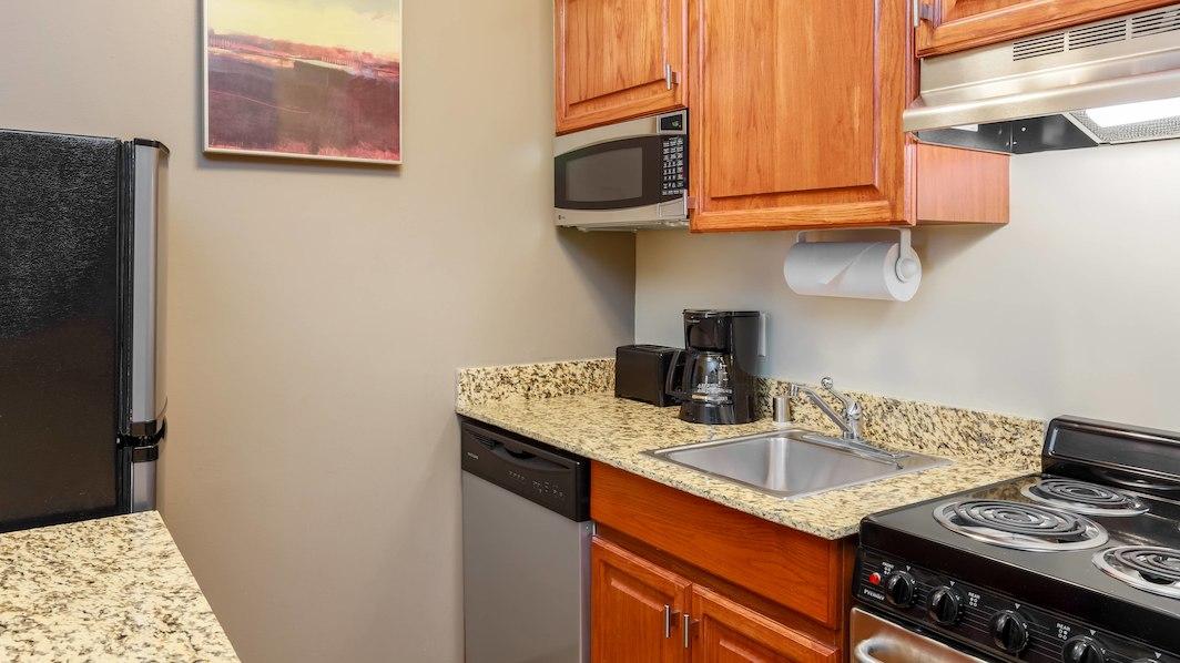 clltb-kitchen-0051-hor-wide.jpg