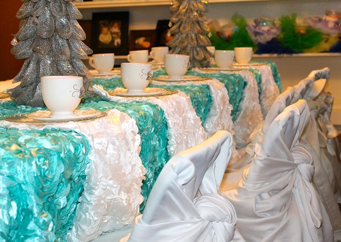 frozen tea princess party houston.jpg