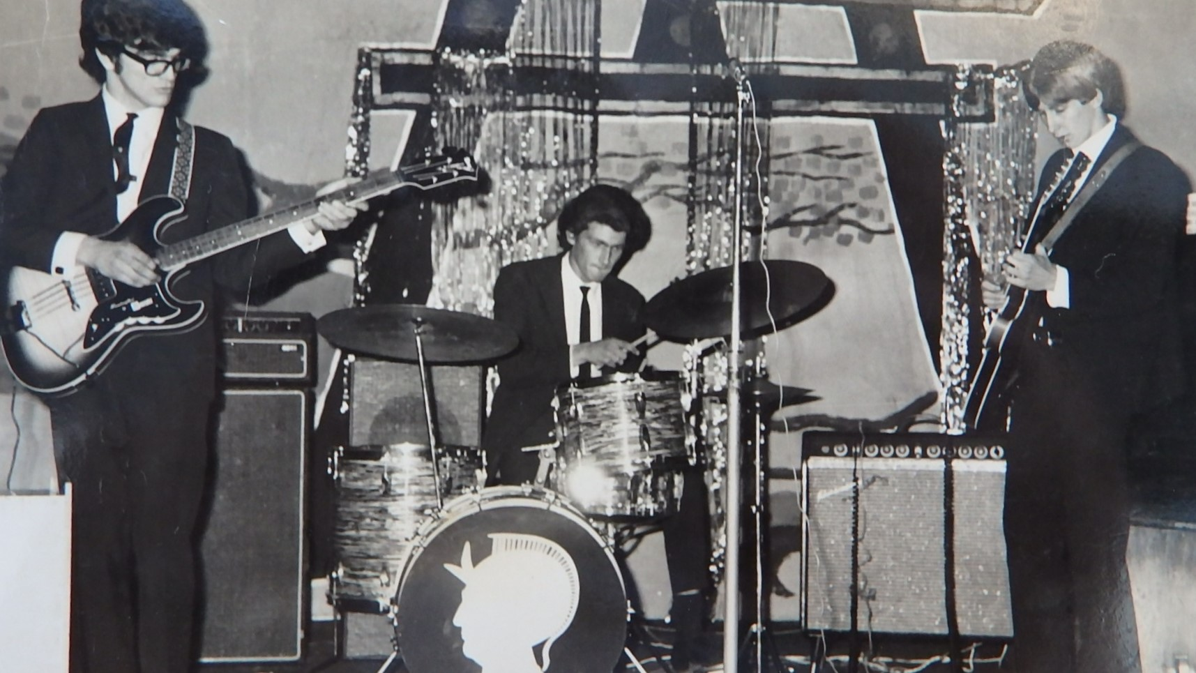 Hydro Majestic 1968 (from left) Barry Dean, Bob Lounder, Darcy Rosser.