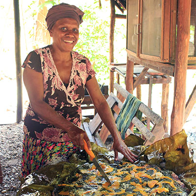 Eden-Hope-Vanuatu-Katherine-Lap-lap.jpg
