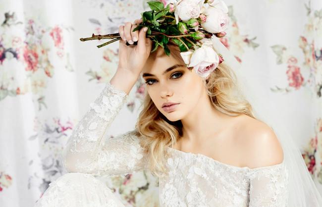 Photo credit: Photography by Kristina Soljo ; Make-up by Nicola Johnson; Styled by Maya Wyszynsk