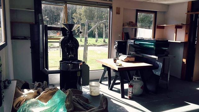 New set up in Hokitika! Space still a work in progress but the roaster is all go. #hokitika #westcoastnz #hurunuijacks
