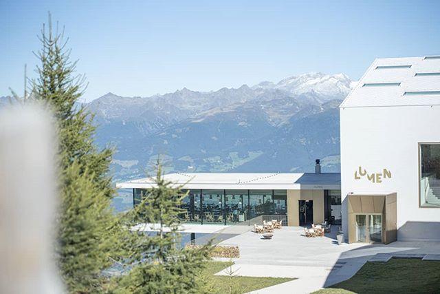 Another beautiful day on top of @kronplatz! Come and visit us #lumenmusem 🔝 📷skirama Kronplatz