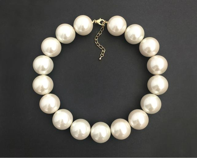 Extra Large Pearl Necklace