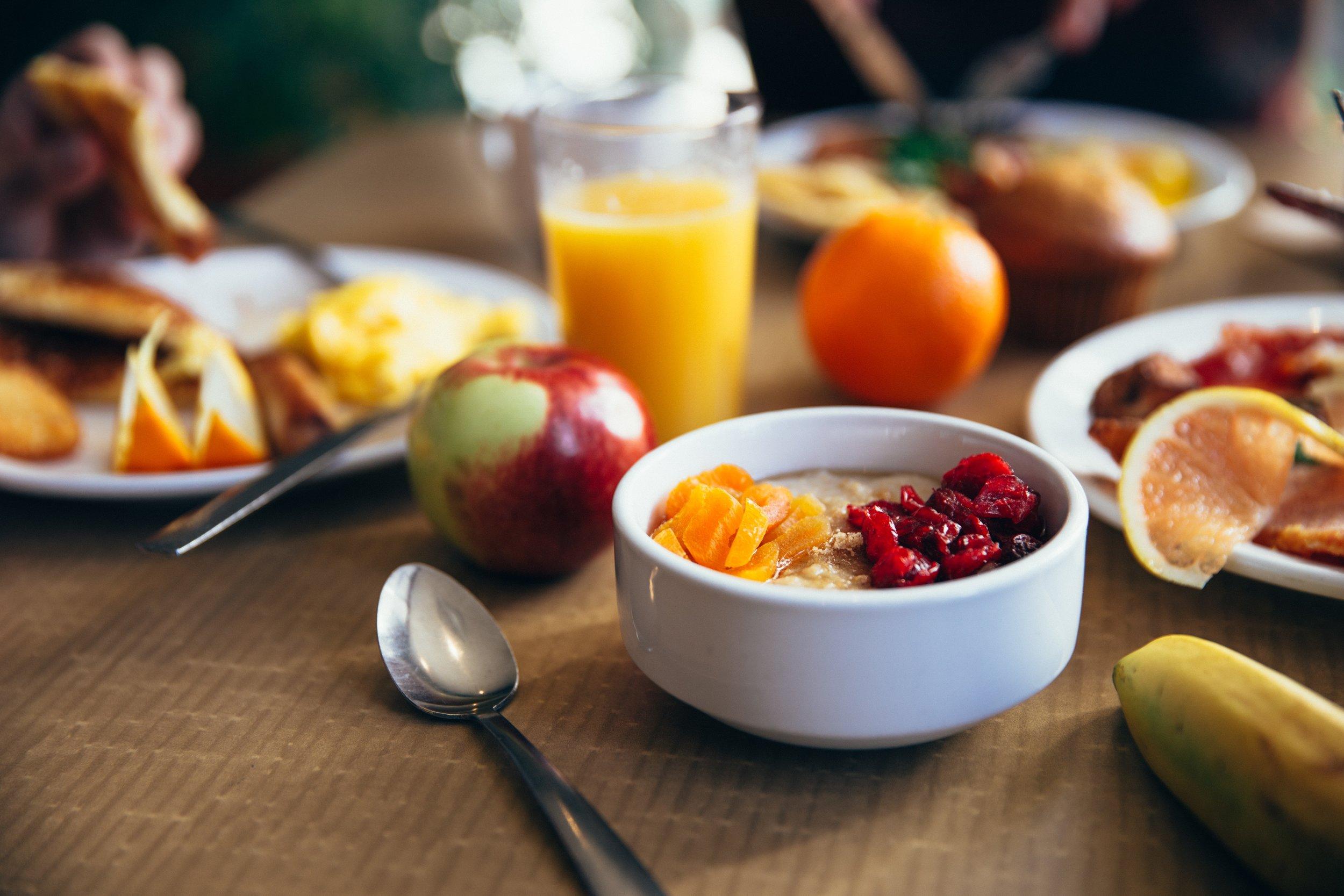 bowl-breakfast-cutlery-373941.jpg
