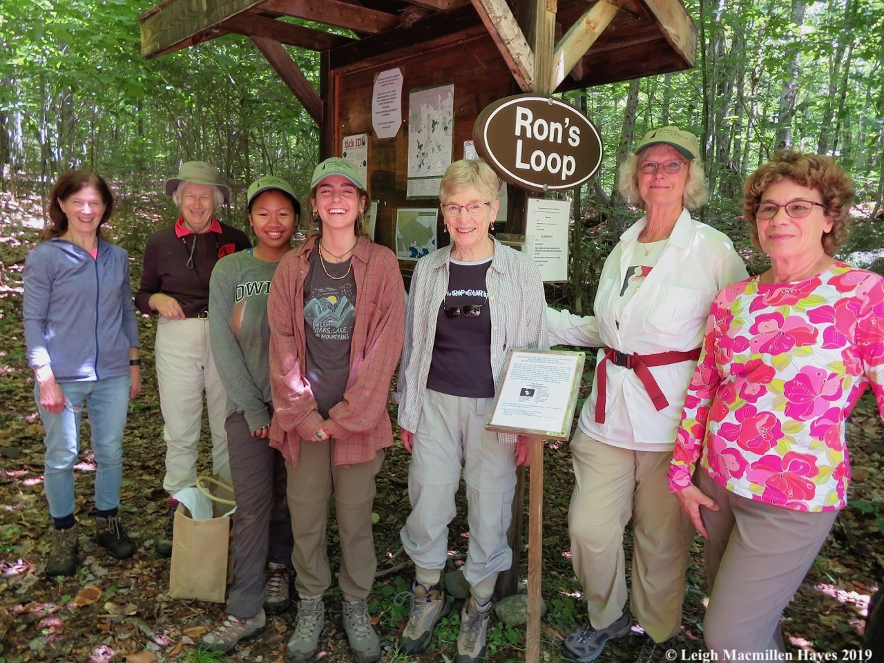 GLLT interns, staff, and volunteers install a self-guided nature trail at Ron's Loop on the Five Kezar Ponds Reserve.