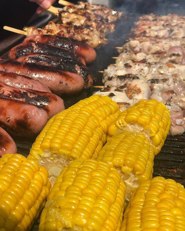 It's perfect BBQ weather at the moment!! What is on your perfect BBQ? ☀️ #weddings #corporate #henparties #bartenders #alcohol #bar #private #waitress #waiter #horsebox #portableBar #barntgreen #worcstershire #bromsgrove  #alvechurch #worcster #bromsgrove  #barntgreen #worcstershire  #birmingham #belbroughton