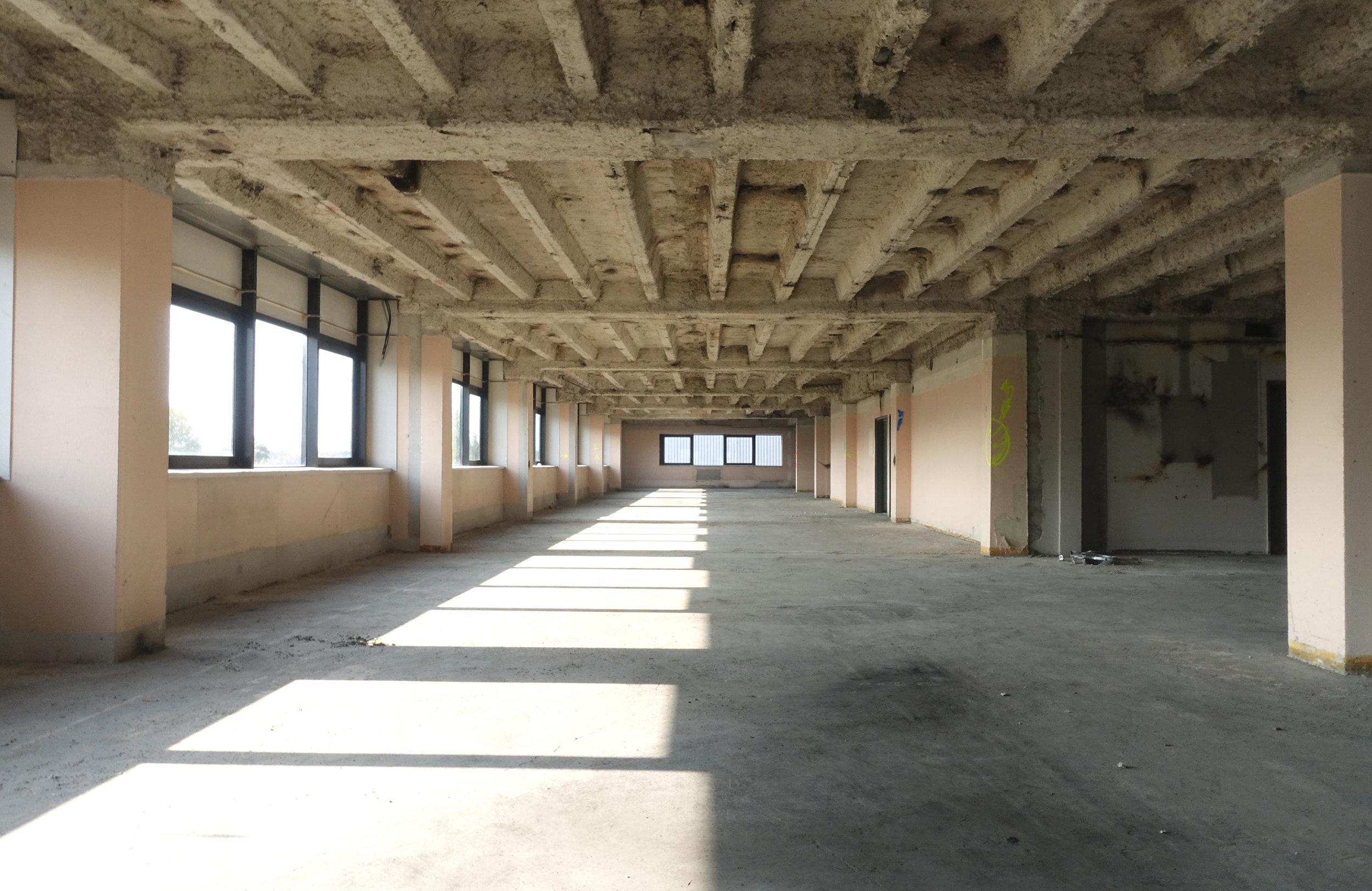 Chantier, Bureaux, Colombes - Fin de curage pour la restructuration de 20 000 m² de bureaux pour le compte de Arizona Asset Management à Colombes.