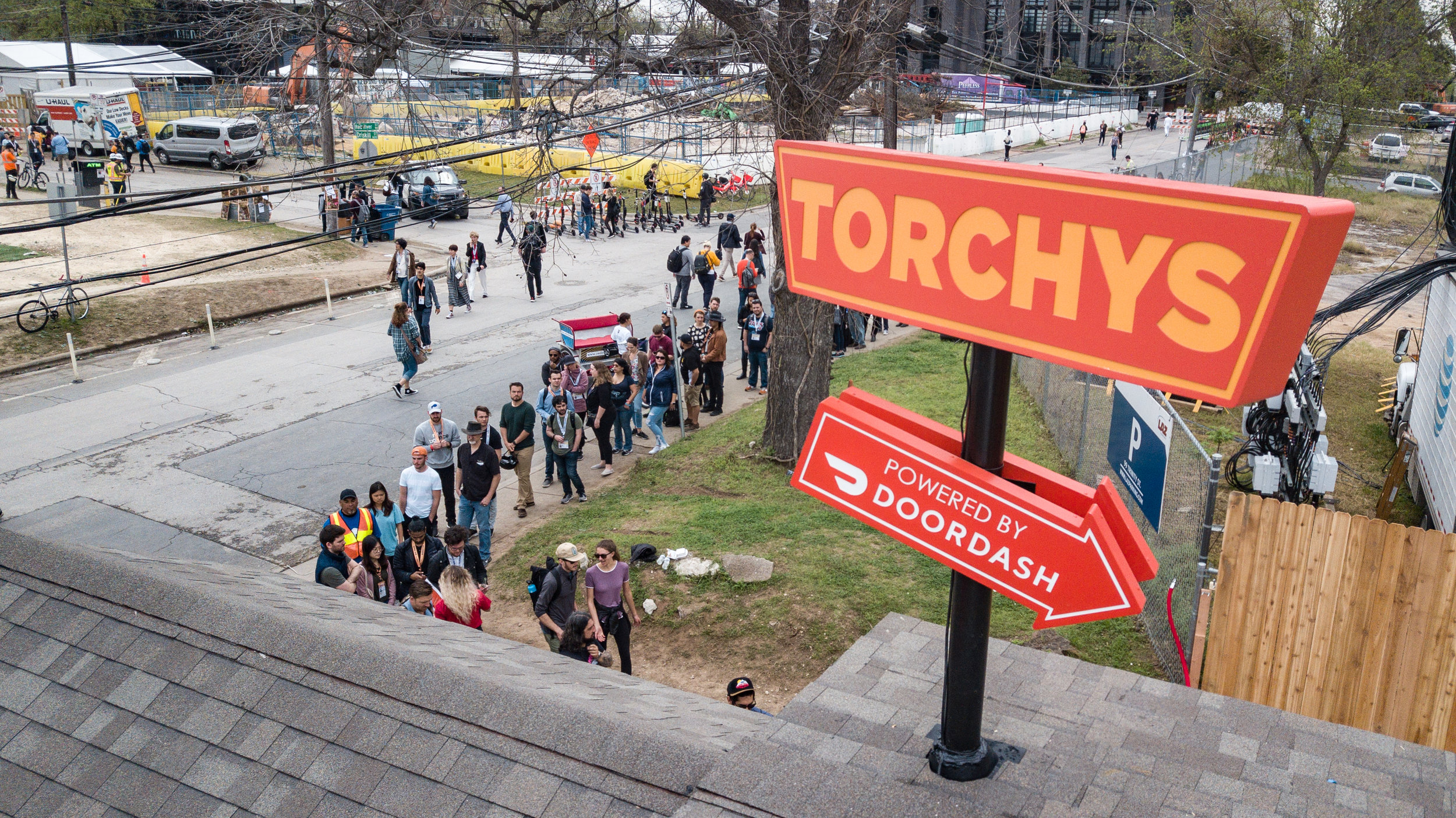 DoorDash x Torchys   Working alongside  MediaMonks  Kennedy Creative Events partnered to create the perfect SXSW event with DoorDash and Torchy's Tacos. The set complete with a tiny-house space, kitchen serving up tacos, and of course live music including some heavy hitters such as CeeLo Geen   Check Out Our Video HERE