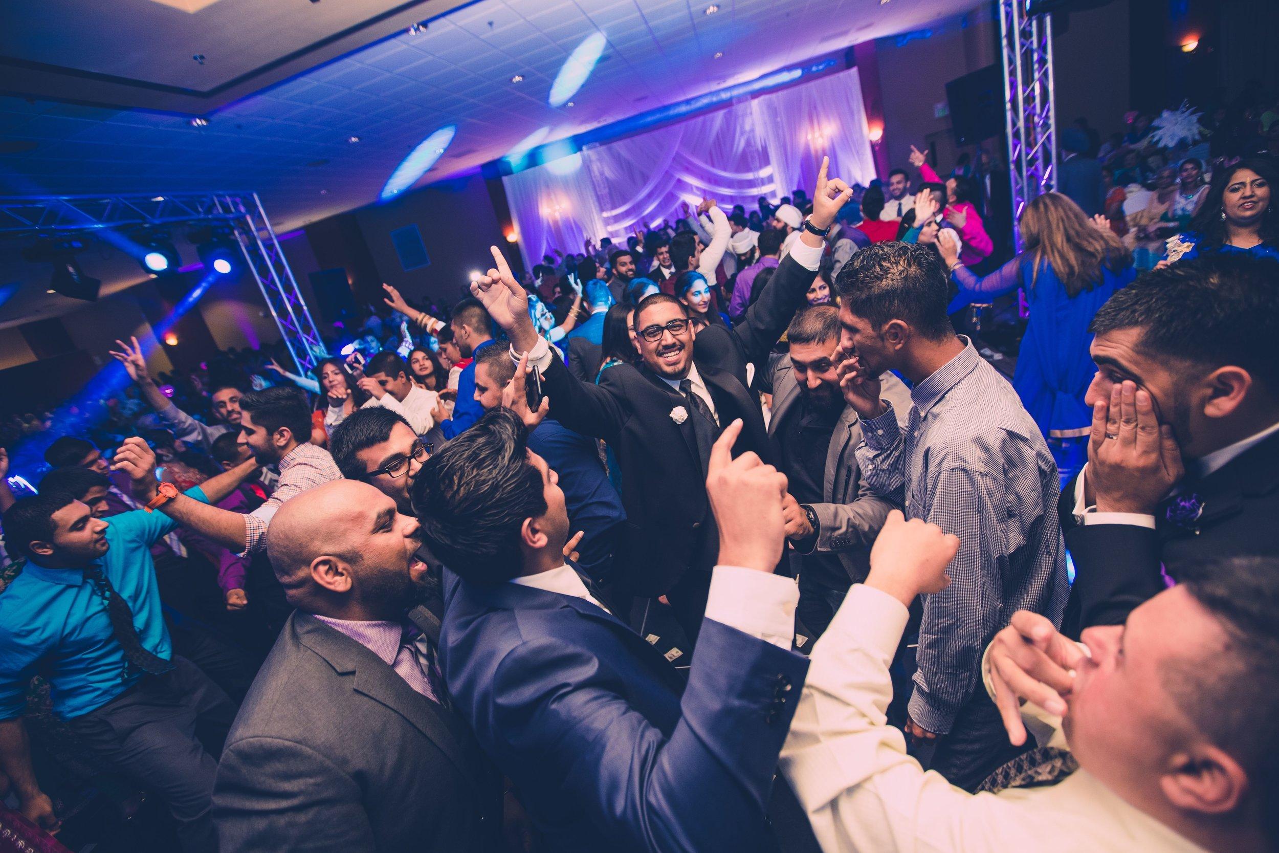 online369 Jatinder & Khushbir Reception4.jpg