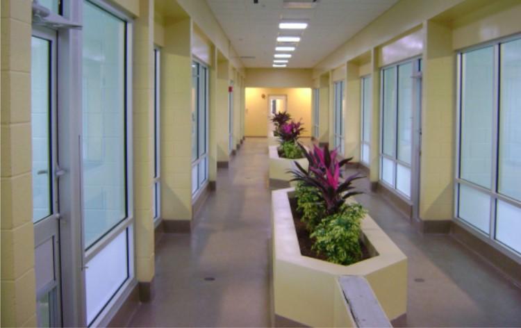 Hallway-Napels.jpg