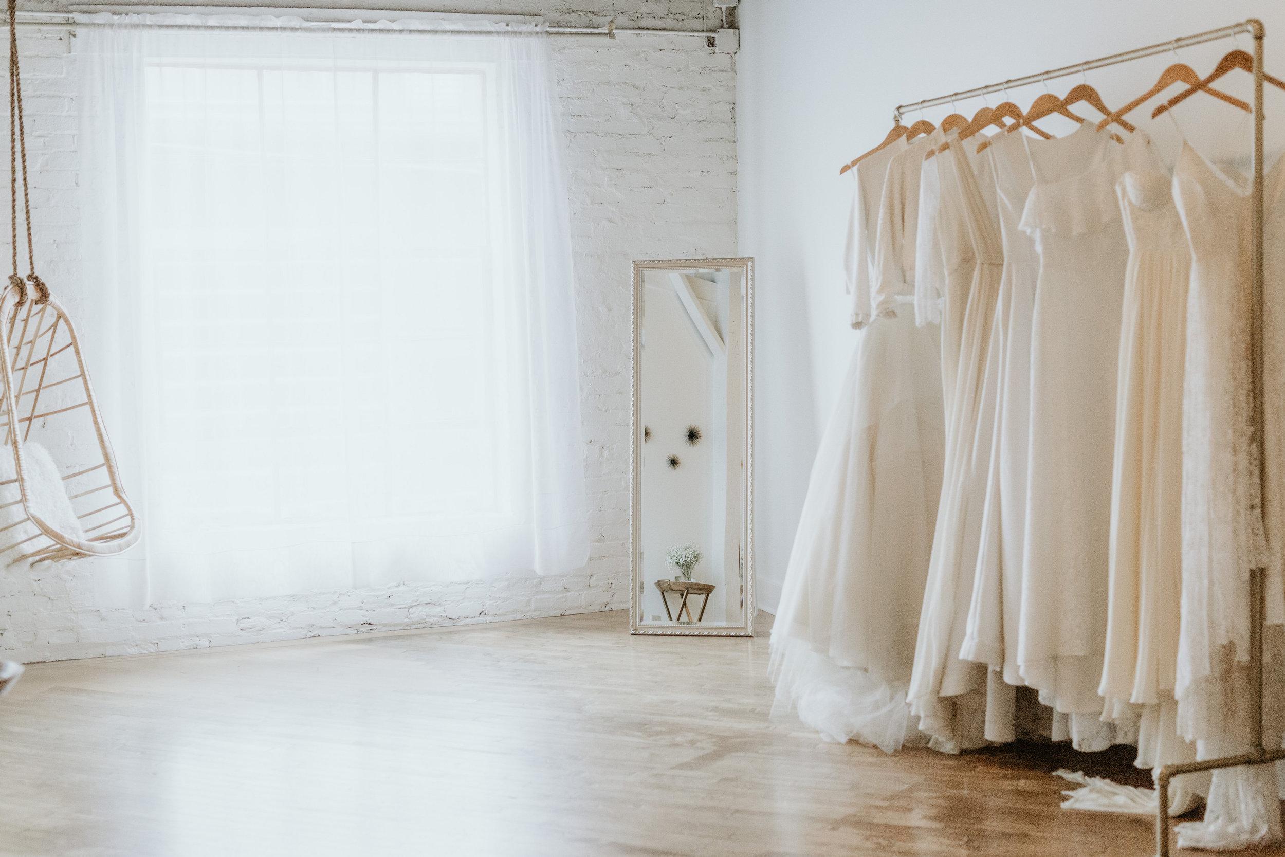 Ila Bridal. Bridal boutiques in Nashville. Nashville brides. Off the rack bridal Nashville.