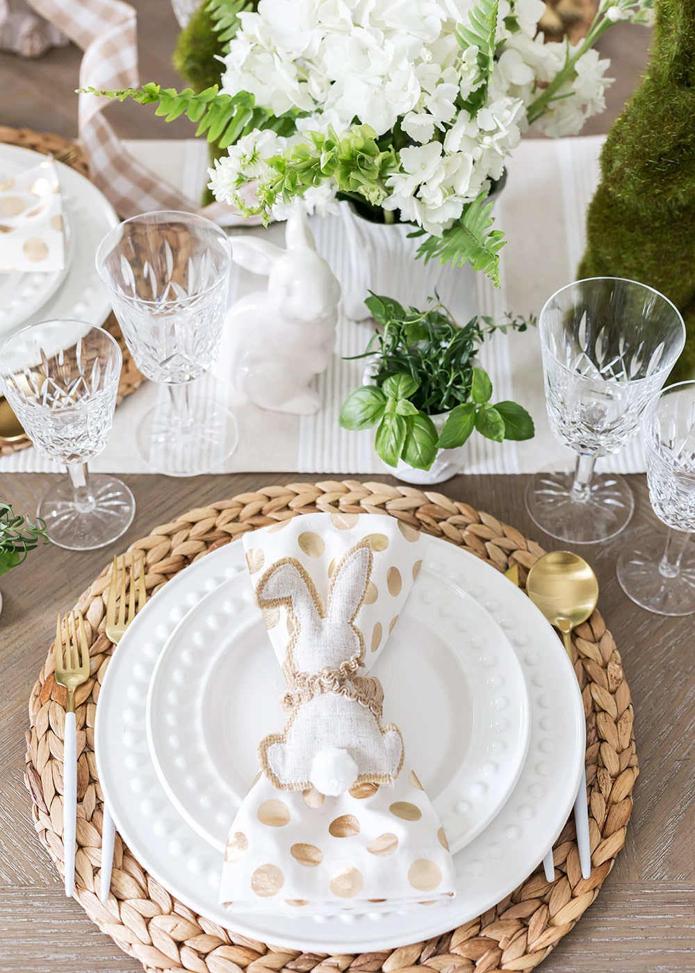 natural-easter-tablescape25.jpg