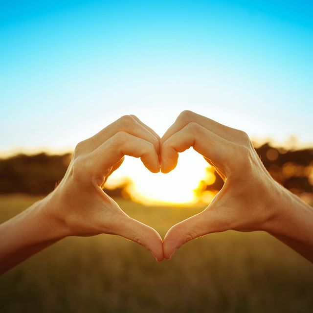 Are you wanting to feel more connected to yourself and others, feel present throughout your day, and enjoy the freedom that comes with self acceptance and unconditional love?  If so, I've got the workshop just for you!  I'm hosting a Heart Connection Wellbeing Workshop on Thursday October 24th from 10am – 1pm here in Narrabri, and there's only 2 spots left!  By the end of this 3 hour workshop, you will: ♥️Have clarity over what thought patterns, triggers and specific emotions are holding you back ♥️ Learn what tools and techniques will help you to radically shift out of your current state ♥️ Have powerful, detailed action steps to implement into your daily life to support you moving forward ♥️ Receive a summary of all the information discussed in order to reflect on these points whenever needed  The investment: $165.  We'll be talking all about what potential triggers are holding you back, clarity around what self talk is directly connected with your heart, and what energetic healing tools can bring you back into alignment including specific essential oils, crystals, colours, diet & nutrition and powerful action steps to get you moving forward towards self-growth and change! There's also some time for private self-reflection and the invitation to commit to this next level of growth.  It's powerful, potent and invigorating!  Sound good?  If so, you can book in via the link in my bio! Or go to www.yugenkinesiology.com/workshops  This is the first of 4 Emotions & Metaphysical Kinesiology Wellbeing Workshops that I'll be holding between now and the end of 2019. For details about the Abundance, Balance & Flow and Uplift Your Soul workshops, please go to the website for more details and to pay your $50 deposit to secure your spot! ✨  I'm so excited to host these workshops! They'll provide a whole new level of understanding about energy medicine, and how you can take control of your own health & wellbeing. This kind of knowledge is truly a game-changer when it comes to you