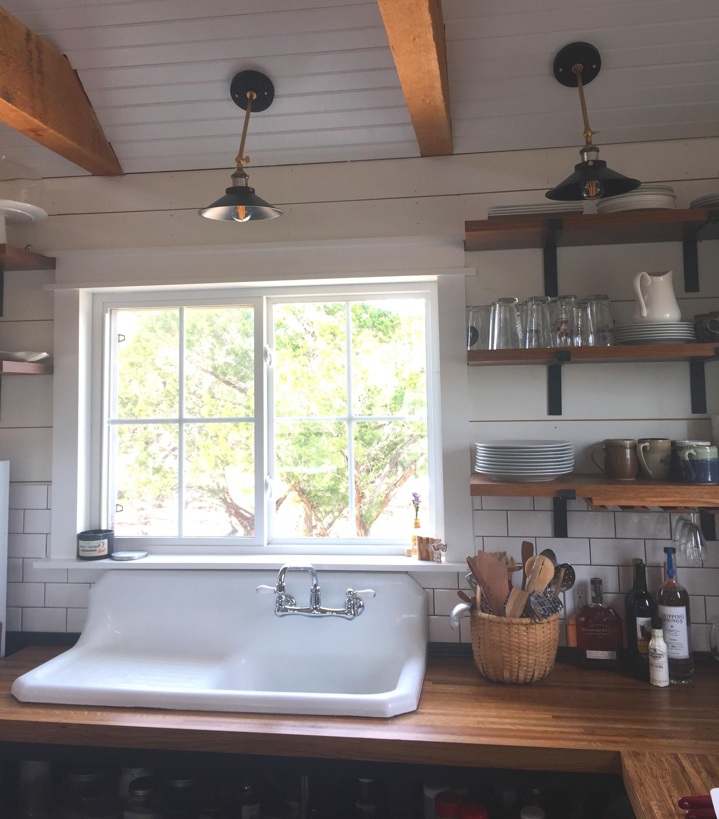 Farmhouse sink with drain board