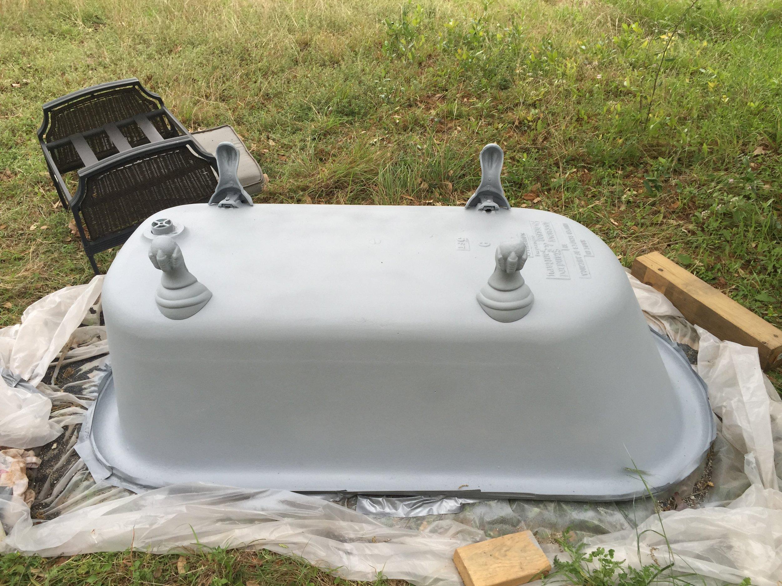 Final primer on the clawfoot tub-lookin good already!