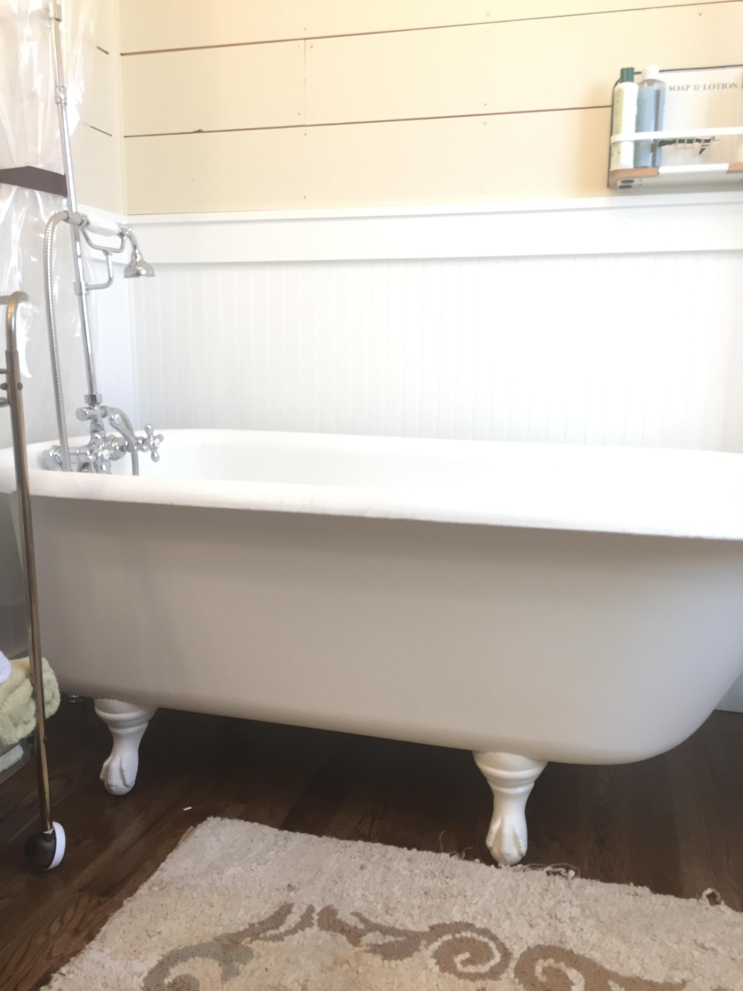 clawfoot tub side view