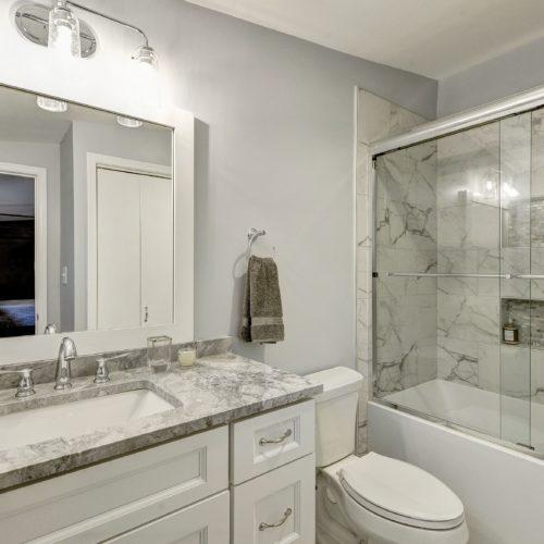 Guest-Room-Bath-500x500.jpg