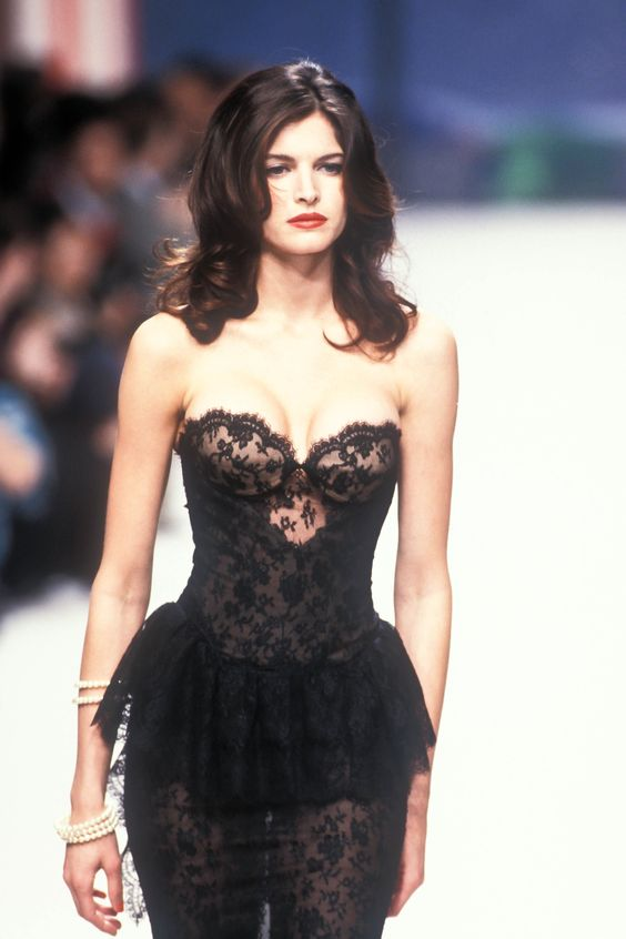 Chanel couture '95.jpg