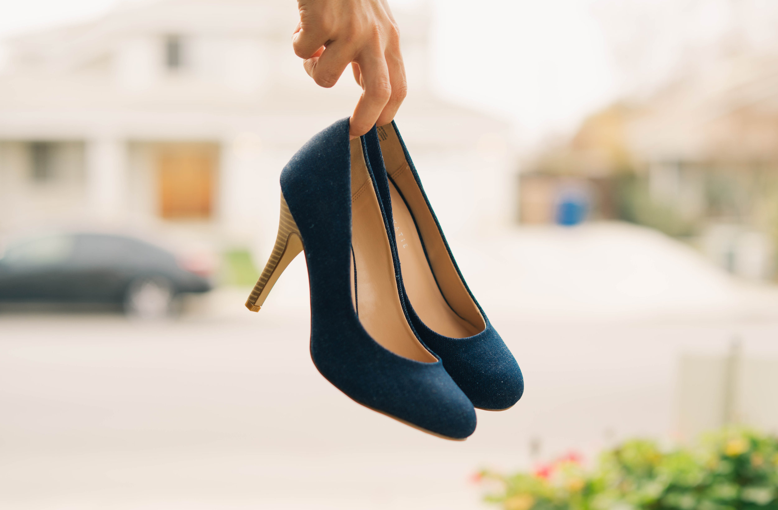 Wear sensible shoes. Unless you're going to a wedding, high heels have no place in the Catskills.