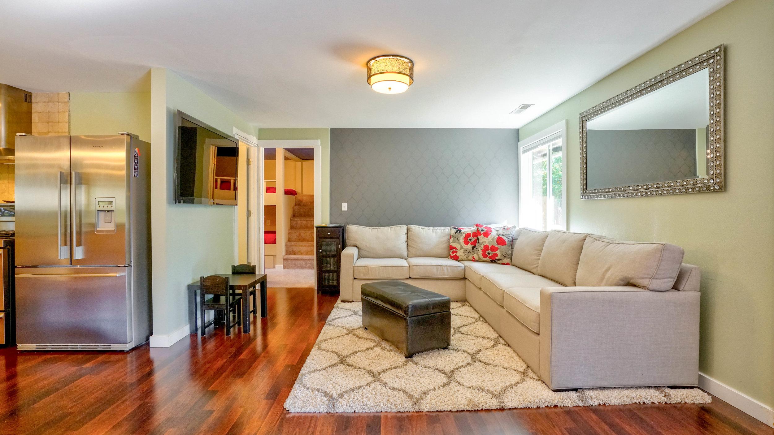 best-airbnb-portland-for-groups-living-room.jpg