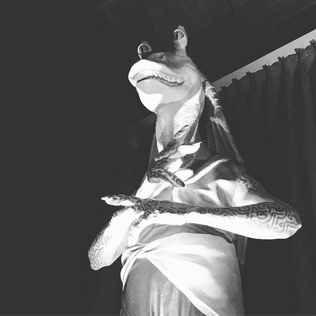 Obligatory post of great sculpture & art @ #SDCC . . &&Dramatically LIT JarJar🔥 #sdcc2019 #jarjar #tomandjerry #designertoys #sculpture #design #peanuts #goldengirls #starwarsepisode1 SW Episode 1 is the best one; I stand behind that XD