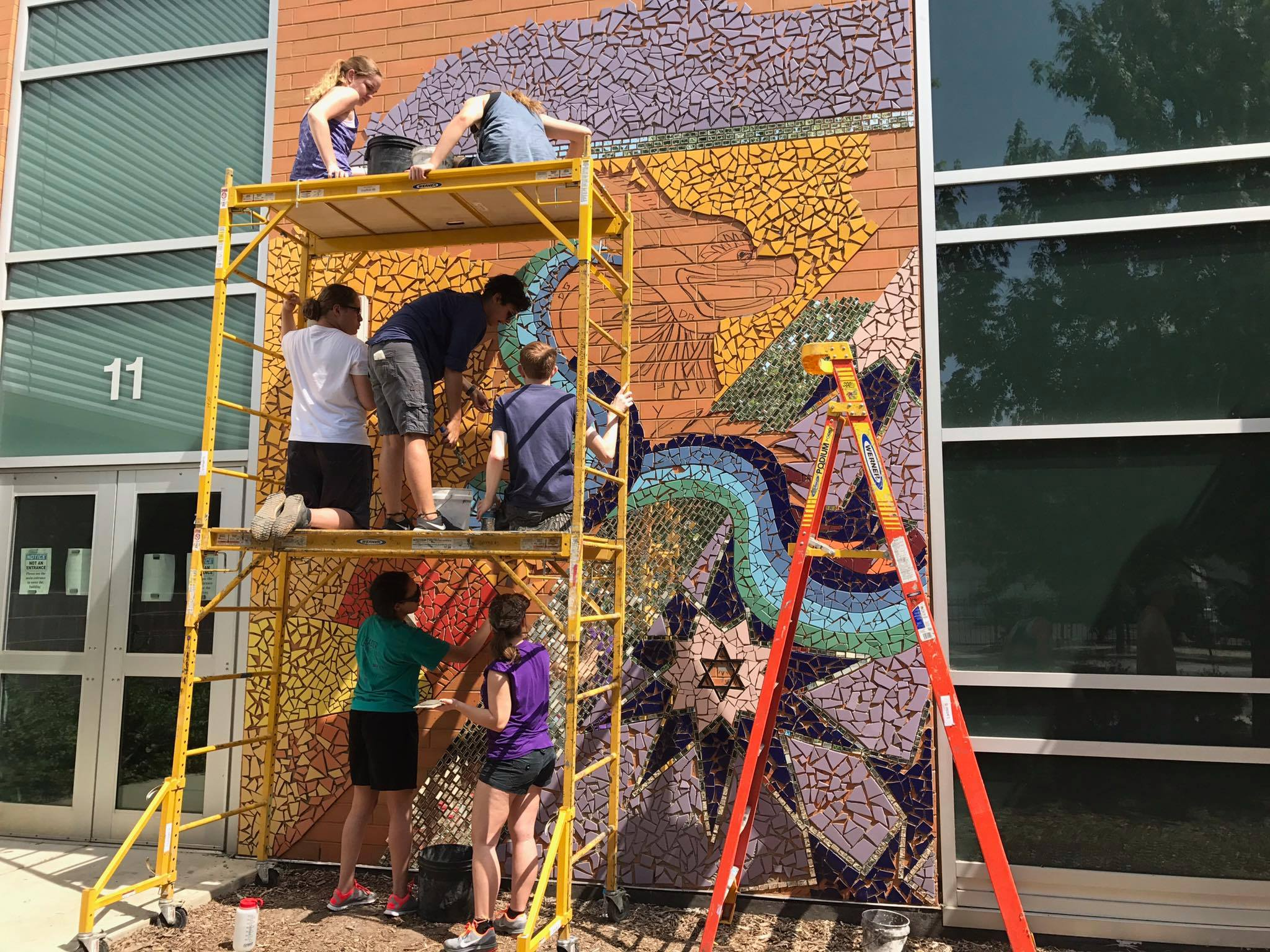 DOOR Network Volunteer Chicago Mural School Art