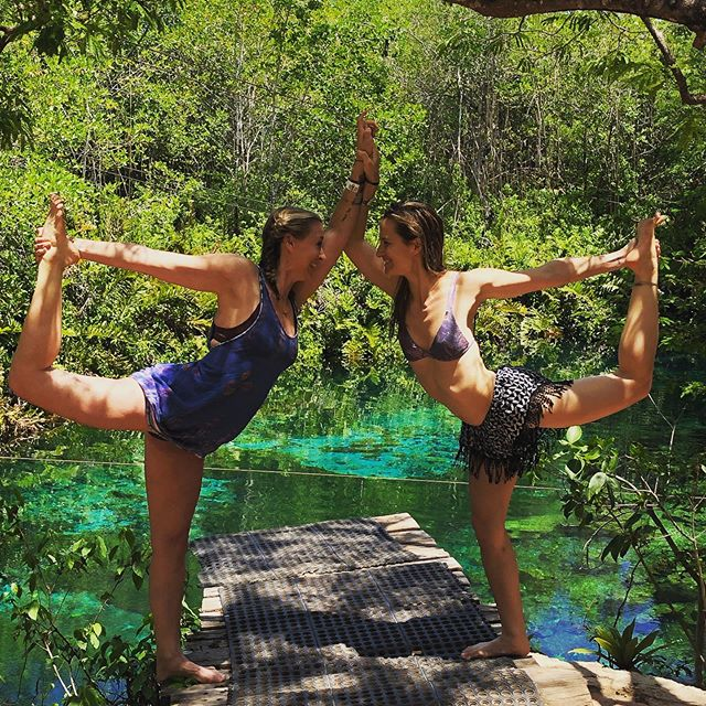 Throwin' it back to our recent Magical Yoga & Meditation Retreat in Tulum with @beautifullyawakening and @katienesbittyoga! . Tulum brought so many like-minded souls together, where we created feelings and memories to last a lifetime. 💖 . If you're interested in joining a future @soulscape_retreats trip, head over to our website (SoulscapeRetreats.com) and sign up for our newsletter to be the first to hear about upcoming retreats!