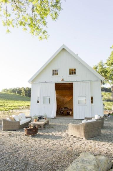 The white farmhouse table - A taste of the California Wine Country in Sonoma, California