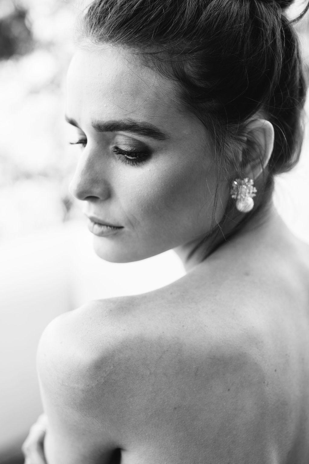 bridal-and-wedding-earrings-18k-gold-starburst-pearl-drop-earrings-26.jpg