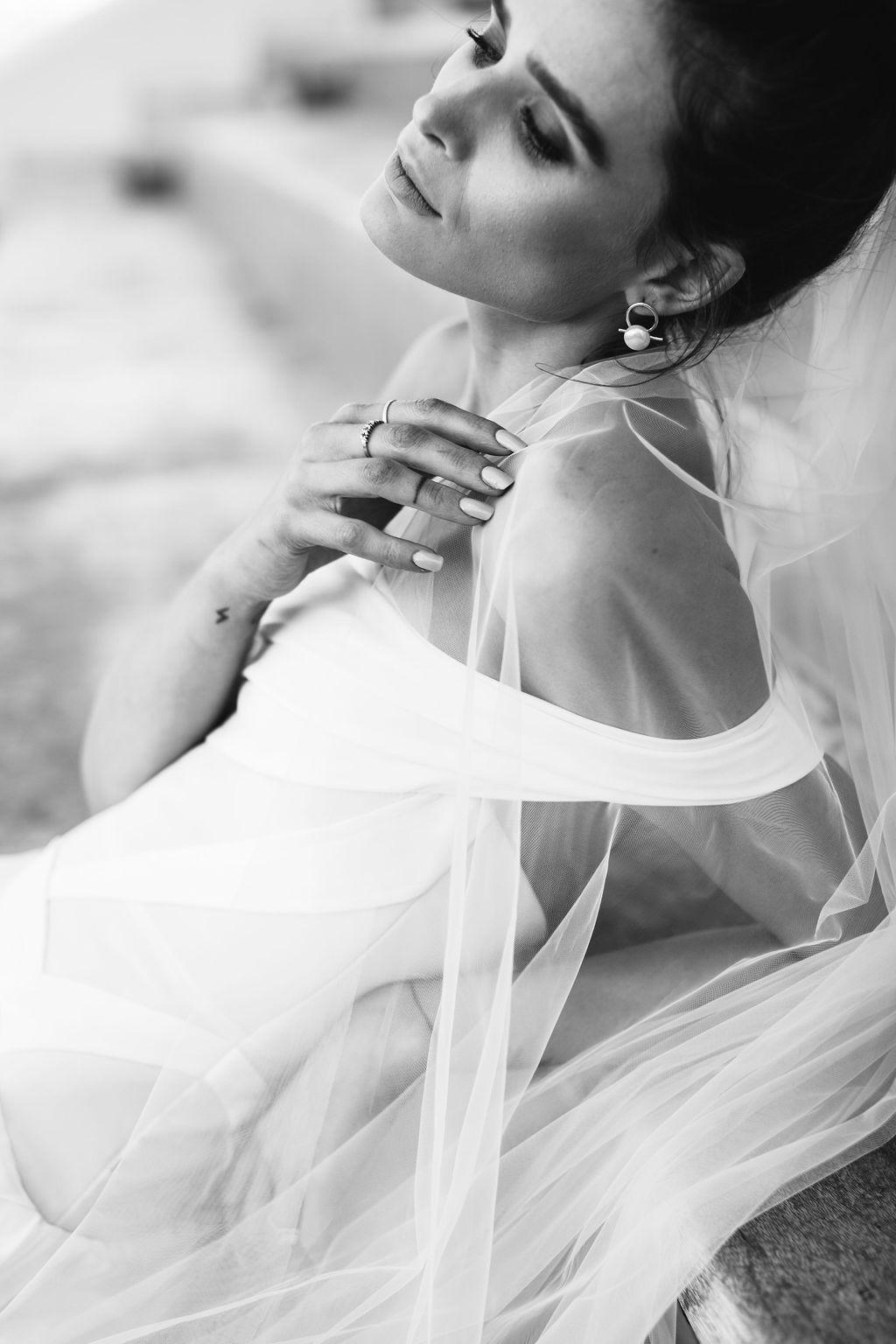 bridal-and-wedding-earrings-airlie-gold-ribbon-pearl-bridal-earrings-127.jpg