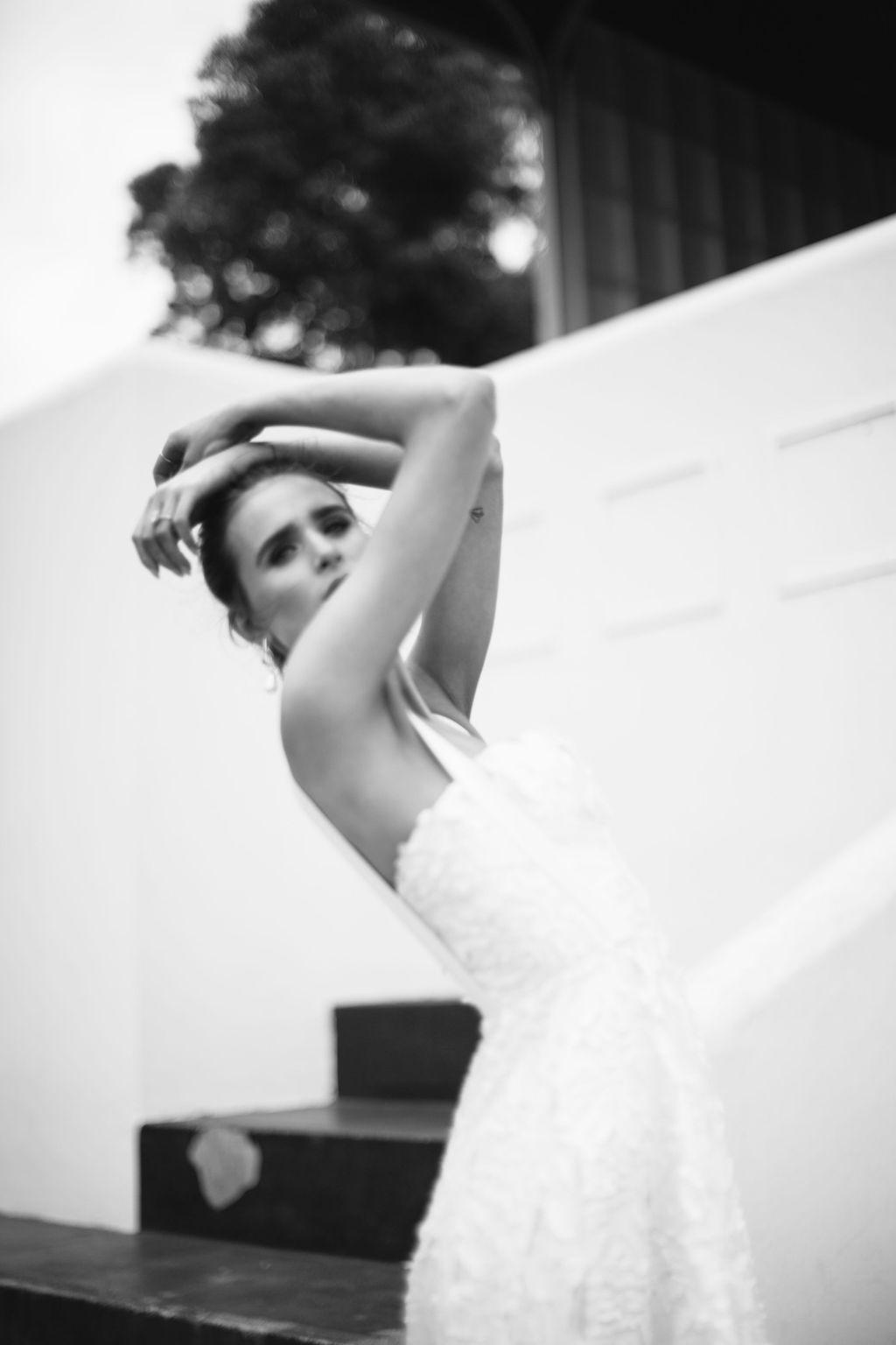 bridal-and-wedding-earrings-elwood-modern-gold-hanging-pearl-bridal-earrings-77.jpg