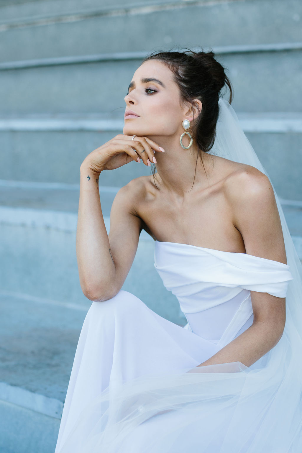 bridal-and-wedding-earrings-maleny-large-gold-pearl-statement-wedding-earrings-111.jpg