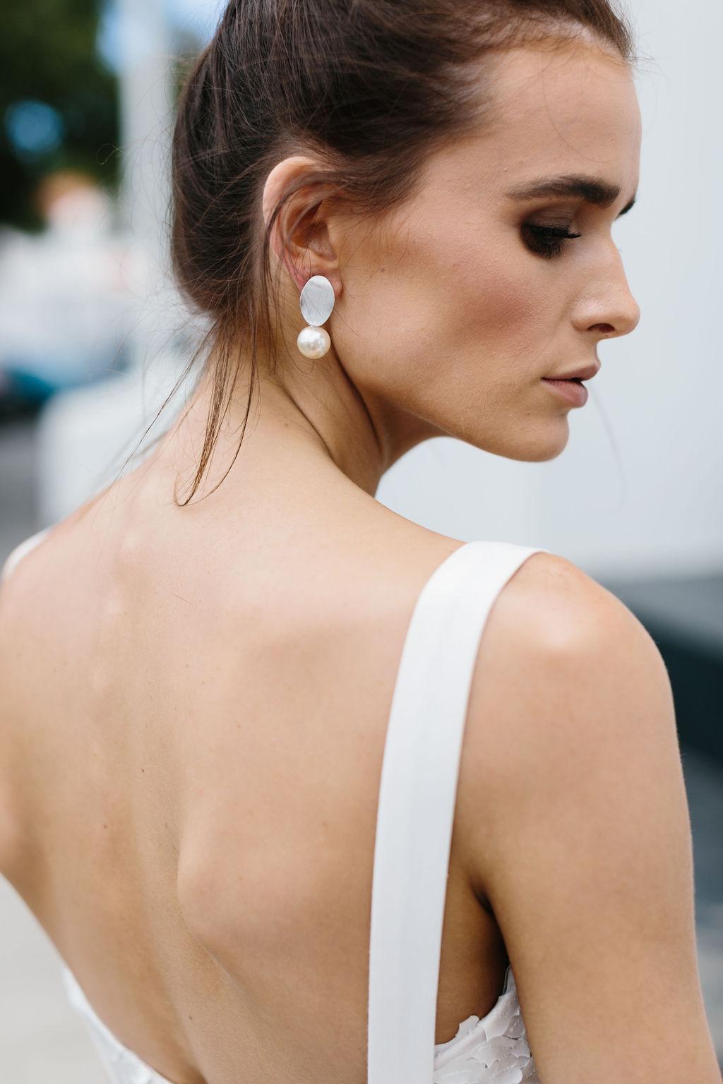 bridal-and-wedding-earrings-white-gold-pearl-drop-wedding-earrings-88.jpg