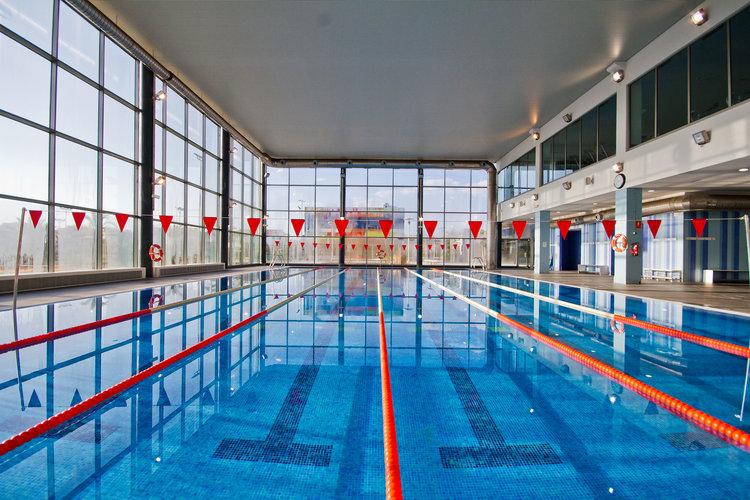 instalaciones_1_piscina_grande.jpg