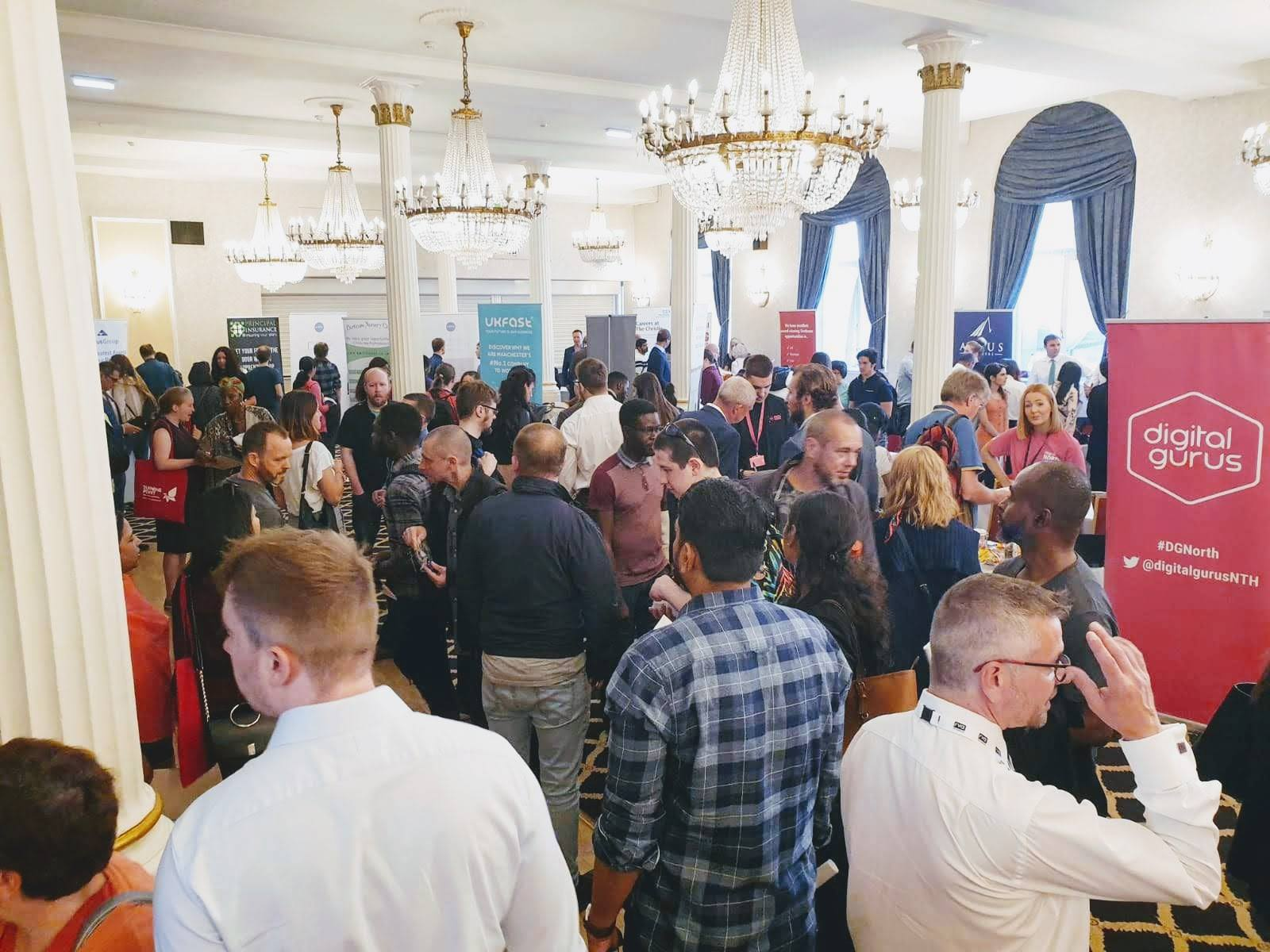 Meet hundreds of candidates, all in one place - The UK Careers Fair is a hugely popular event for job seekers and is an unmissable platform for any local business to utilise. Organisations have found that the opportunity to advertise available roles to the wider local community has proved invaluable.