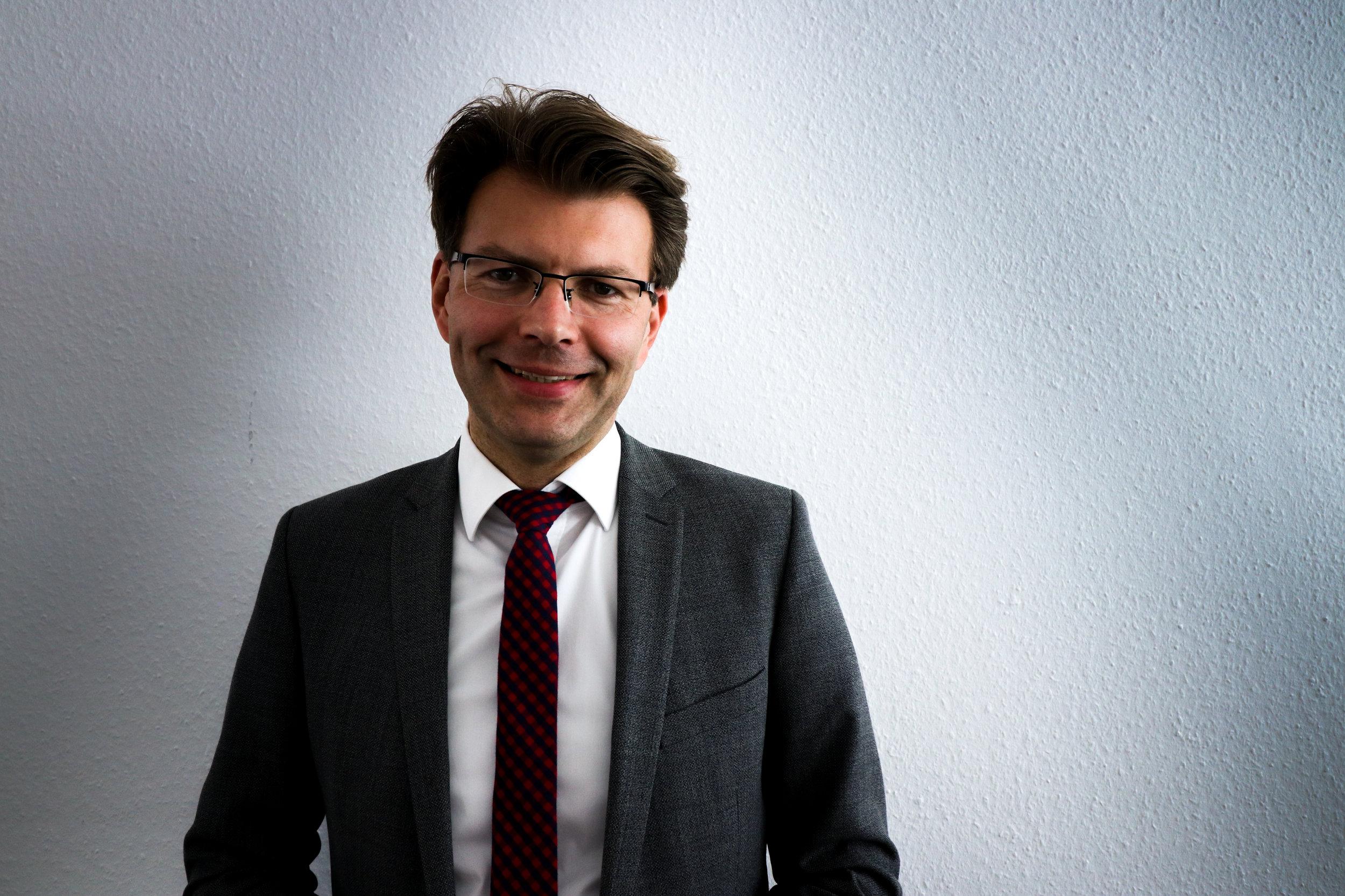 """""""MAcron, als könig auf zeit, regiert eben anders"""" - Daniel Caspary, Vorsitzender der CDU/CSU-Gruppe im EU-Parlament"""