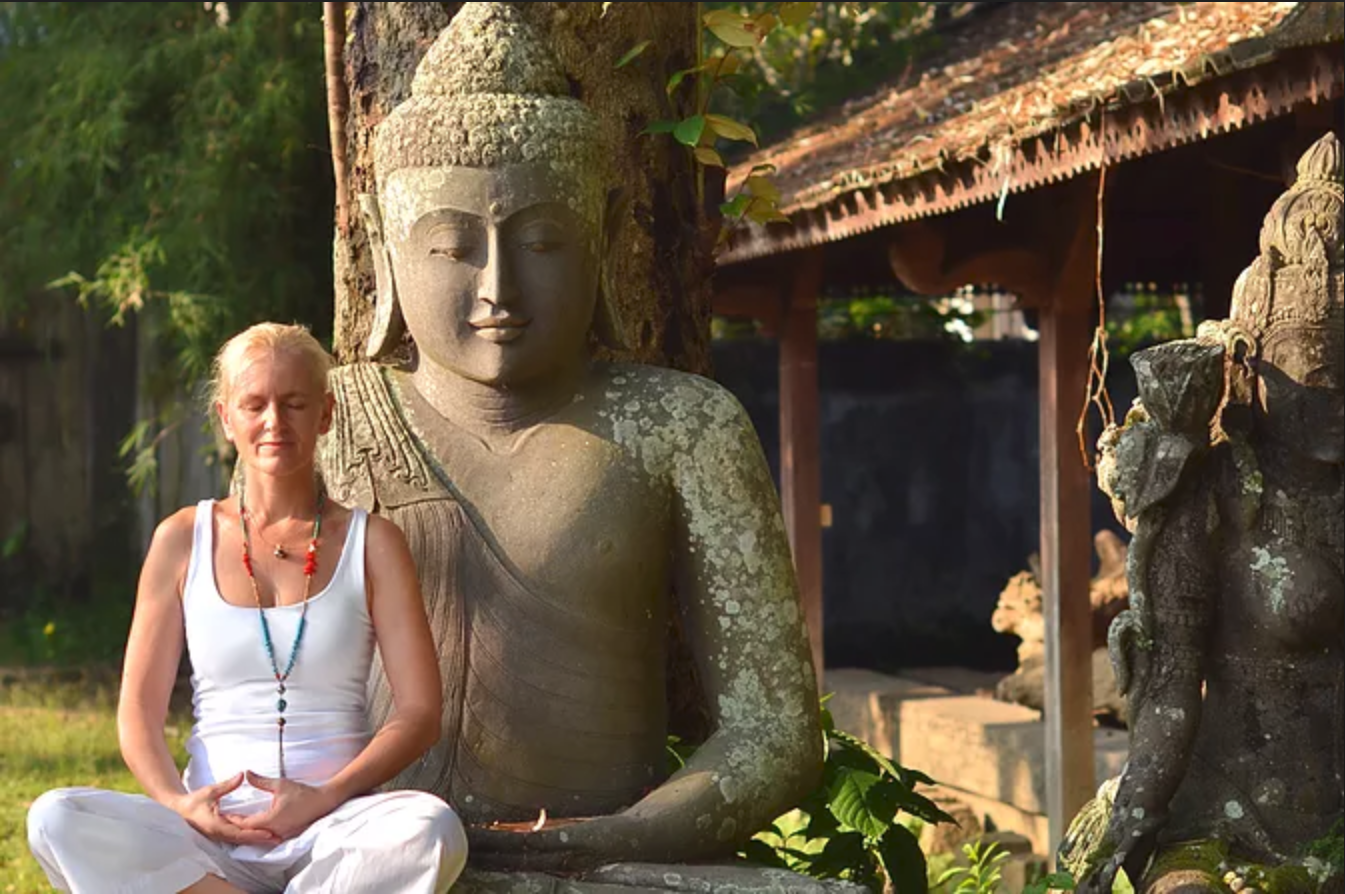 Olivia Shanti - Life & Wellness Mentor . Yoga Coach . Global Yoga Teacher . Exclusive Siddha Yoga practitioner in Australia