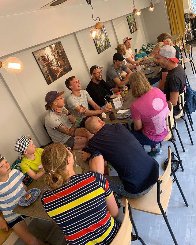 Vi avslutade Ironman-veckan med en frukost på Balck Coffee i Kalmar. Krigshistorier, tillkännagivanden, målsättningar och skrattkramp 💙  Den här frukosten blir tradition! Tack för all energi. Kör försiktigt hem. Vi ses i höst 😉