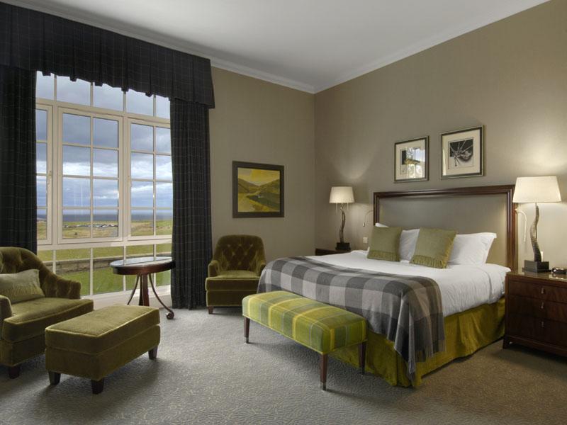 fairmont_bedroom_1.jpg