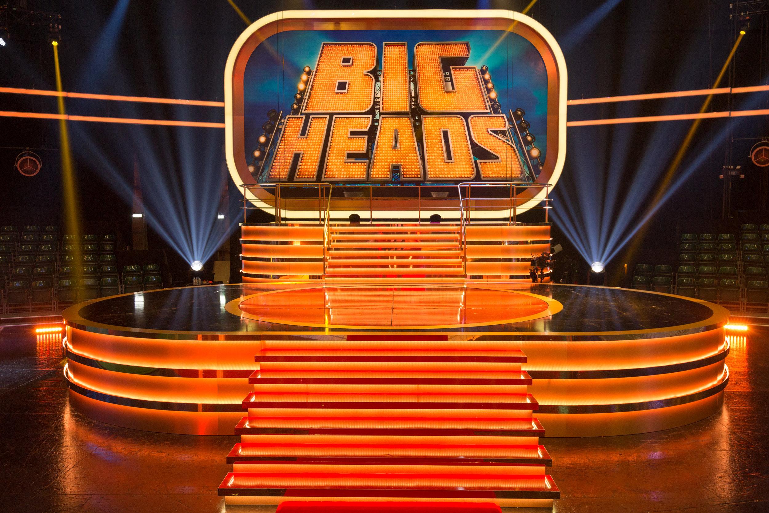 081_big_heads_9992.jpg