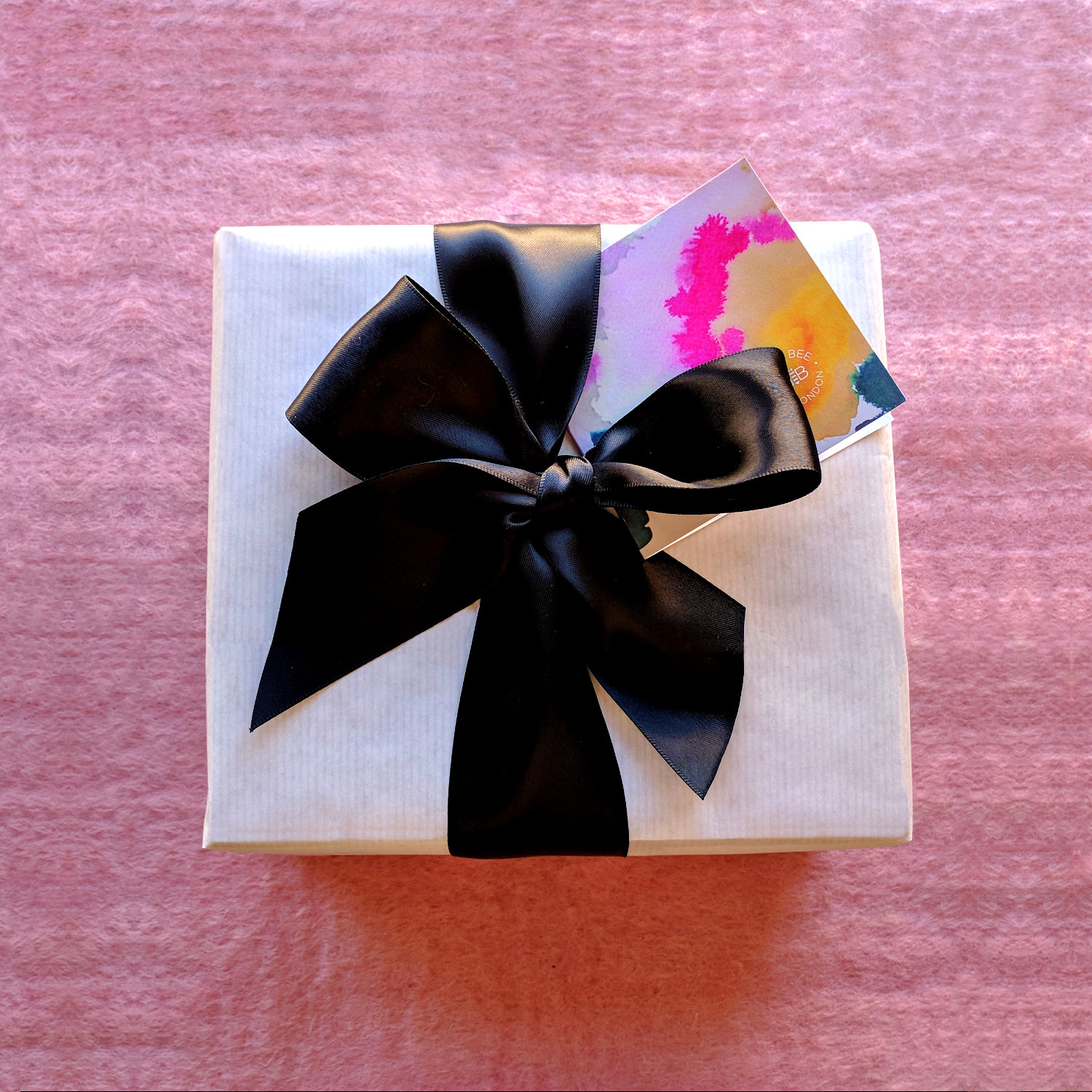gift_wrapping_bbol_pink_background.jpg